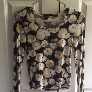 🌸Floral🌼 Long Sleeve Top